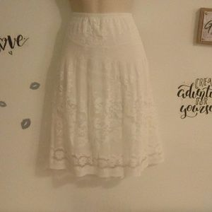 Max Studio White Skirt Size M ( J3)